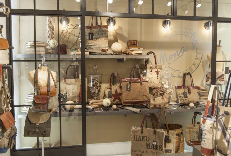 0015-memorable-showroom-displays-41