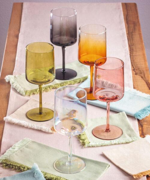 Mid Century Wine Glasses and Napkins 01